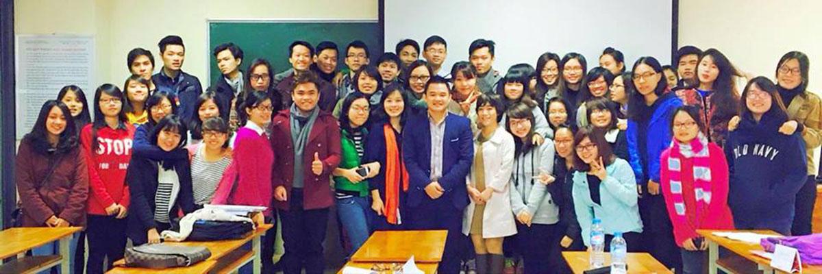 Luật sư Nguyễn Tiến Hoà giảng dạy tại Đại học Ngoại thương TP Hồ Chí Minh.