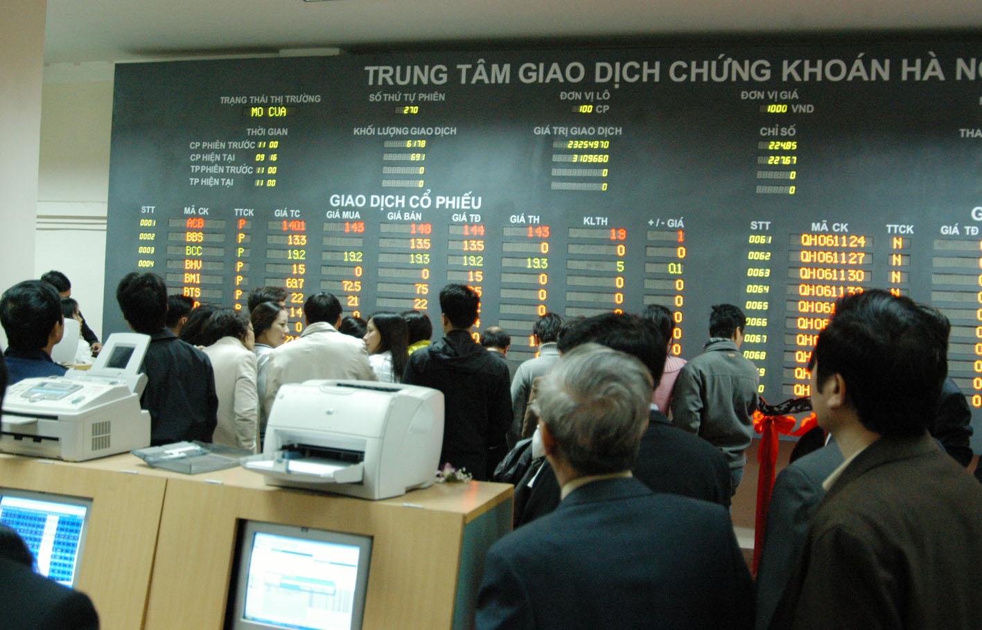Bóng ma tin đồn trên thị trường chứng khoán