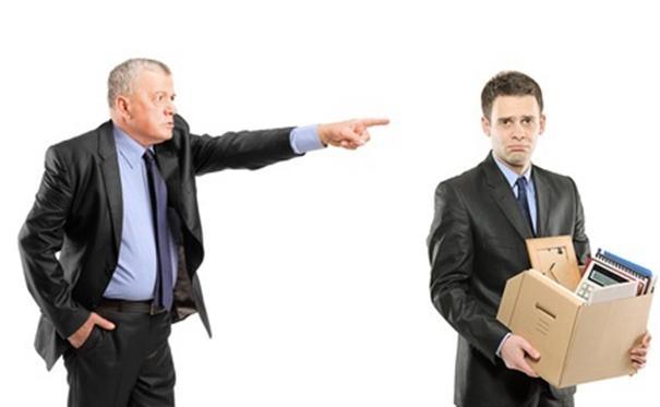 Áp dụng hình thức kỷ luật sa thải trong doanh nghiệp.
