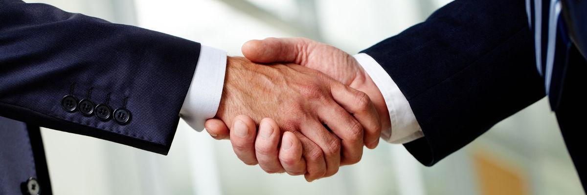 Về thủ tục cấp phép thực hiện hoạt động mua bán hàng hóa và các hoạt động liên quan trực tiếp đến mua bán hàng hóa.