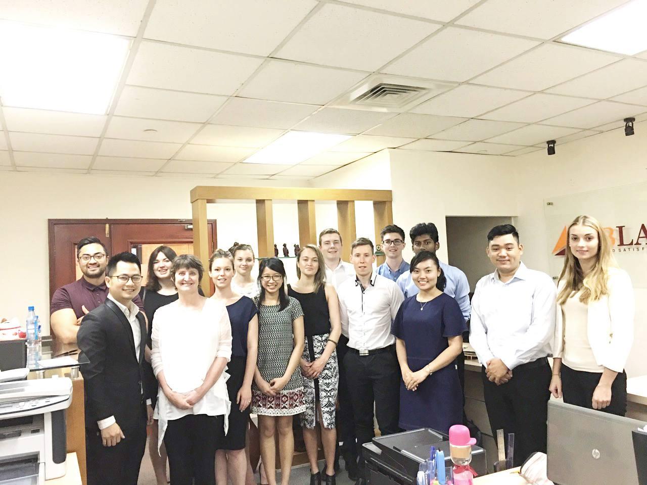 Luật sư Nguyễn Tiến Hoà tiếp và làm việc cùng đại diện khoa Luật Đại học Waikato, New Zealand.