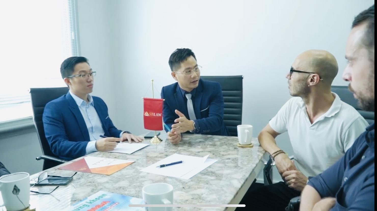 Người nước ngoài có thể mở tài khoản tại ngân hàng Việt Nam không?