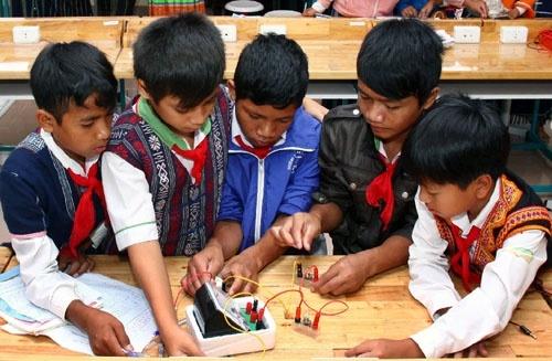 Chính sách ưu tiên đối với học sinh, sinh viên dân tộc rất ít người?