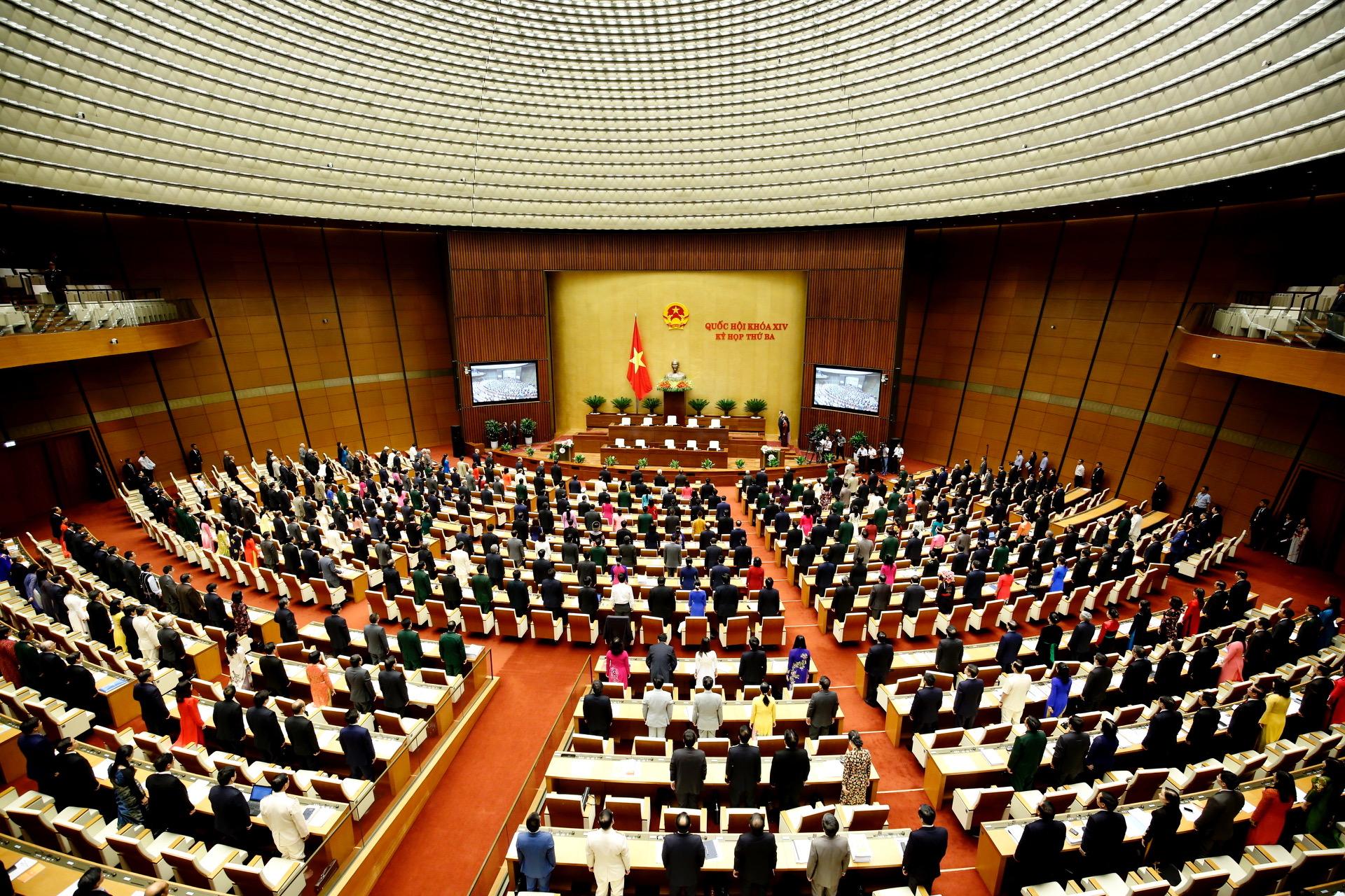 Tổng hợp điểm mới của 12 Luật vừa được Quốc hội thông qua