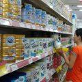 Thương nhân phải đăng ký giá sữa cho trẻ em dưới 6 tuổi-sblaw