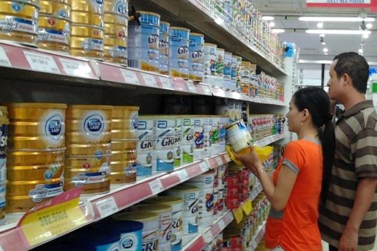 Thương nhân phải đăng ký giá sữa cho trẻ em dưới 6 tuổi
