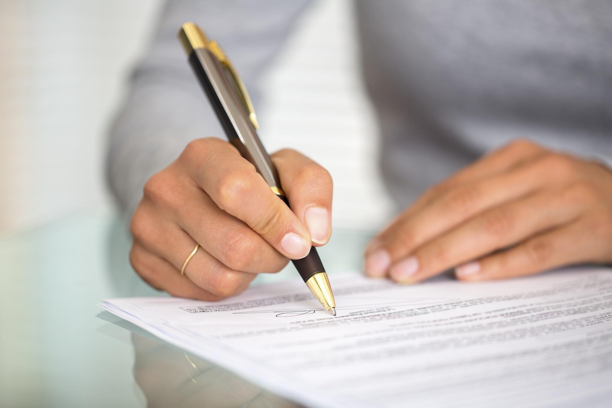 Tư vấn về hợp đồng thuê lại lao động