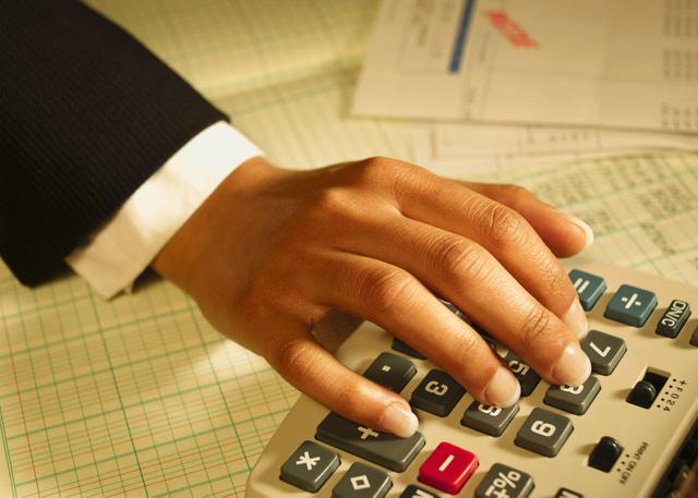 Doanh nghiệp có hoạt động kinh doanh bất động sản, phải nộp những loại thuế nào?
