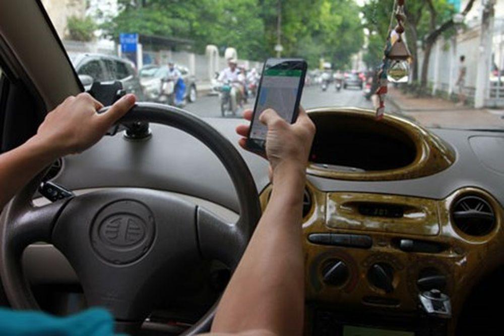 Nguy cơ lộ thông tin cá nhân khi sử dụng dịch vụ taxi công nghệ
