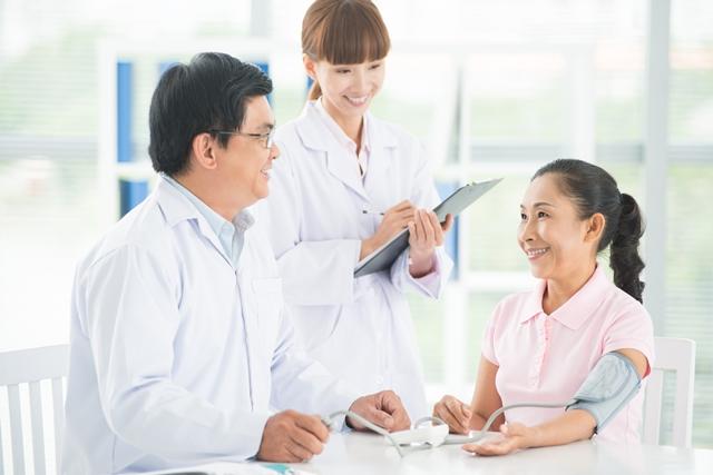 Những chủ thể nào được ký hợp đồng chăm sóc người cao tuổi?