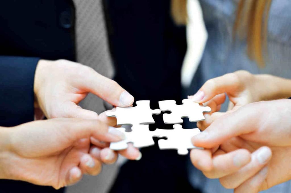 Thủ tục sáp nhập công ty được quy định như thế nào?