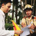 Xử phạt chủ phương tiện không mang theo giấy tờ gốc -Bất cập từ những quy định-sblaw