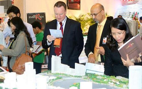 Các loại thuế người nước ngoài phải chịu khi mua nhà tại Việt Nam