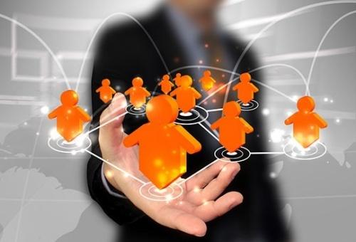 Có được làm giám đốc một công ty khác khi đã làm giám đốc công ty hợp danh?