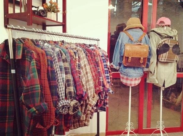 Kinh doanh cửa hàng nhỏ lẻ bán quần áo thời trang thì phải nộp những loại thuế nào?