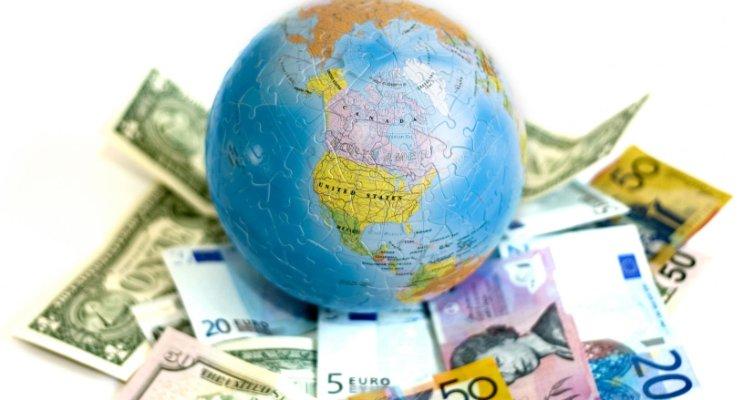 Người nước ngoài phải xin giấy chứng nhận đăng ký đầu tư khi mua bao nhiêu cổ phần của công ty?