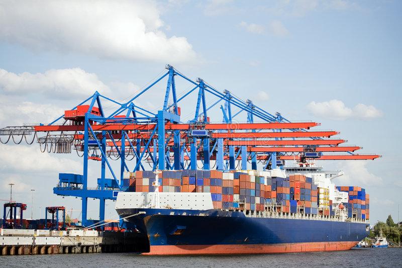 Trình tự thành lập công ty có vốn đầu tư nước ngoài hoạt động trong lĩnh vực sản xuất container