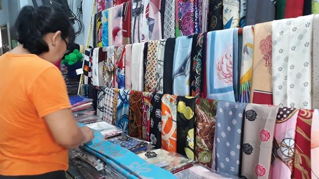 Hành vi mua khăn Trung Quốc về cắt mác và thêm mác của công ty mình có thể bị xử lý như thế nào?