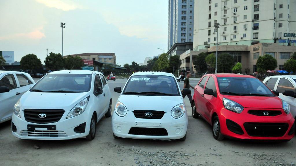 Nhập khẩu ô tô từ Thái Lan về Việt Nam mức thuế là bao nhiêu?