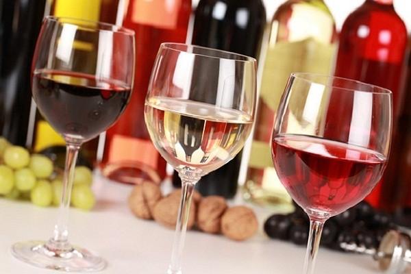Điều kiện để Việt kiều có thể nhập rượu vào Việt Nam