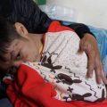 Bố đẻ bạo hành cháu bé 9 tuổi ở Hà Nội có thể bị phạt tù tới 3 năm-internet