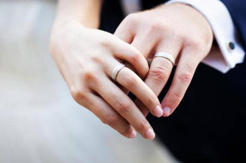 Cần phải làm gì để có thể về Việt Nam làm giấy tờ kết hôn với bạn gái?