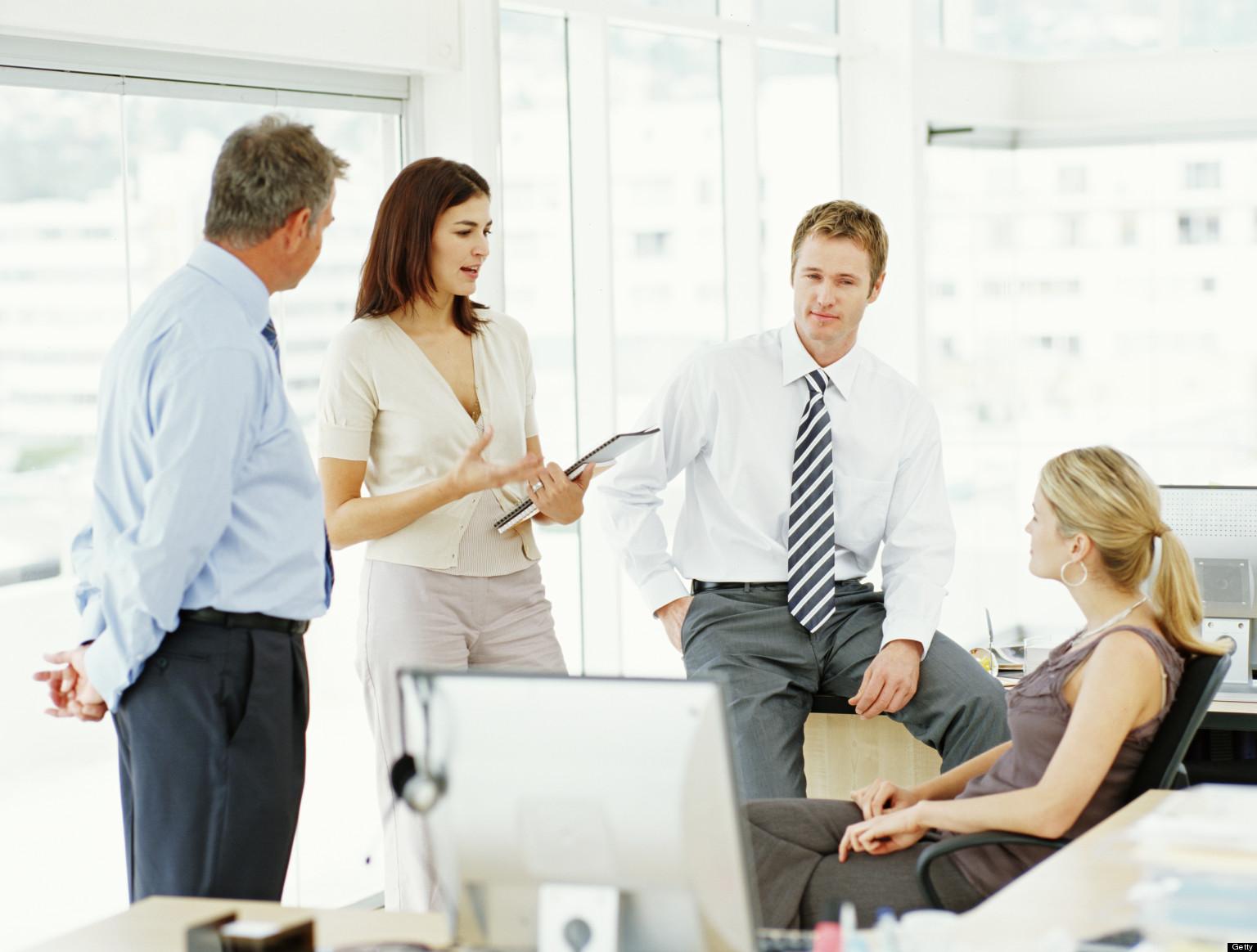 Giao kết hợp đồng với nhân viên khi mua lại công ty