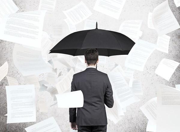 Người sử dụng lao động chấm dứt hợp đồng lao động trái quy định thì sẽ phải bồi thường như thế nào?