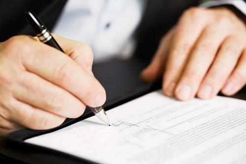 Vô hiệu 01 điều khoản trong Hợp đồng thì Hợp đồng có hiệu lực không?