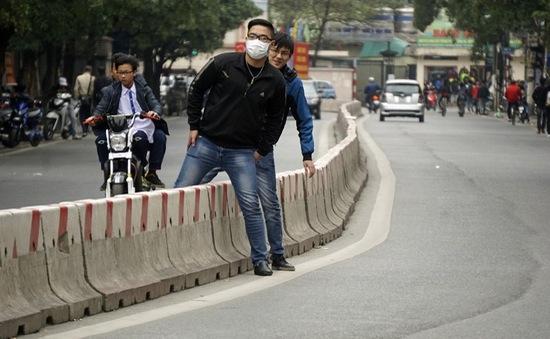 Từ 1/1/2018: Người đi bộ sai luật có thể bị phạt tù đến 15 năm