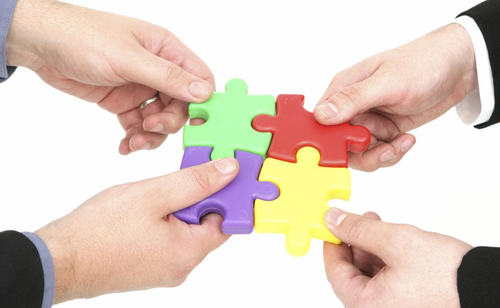 Điểm khác nhau cơ bản giữa hợp nhất doanh nghiệp và sáp nhập doanh nghiệp là gì?