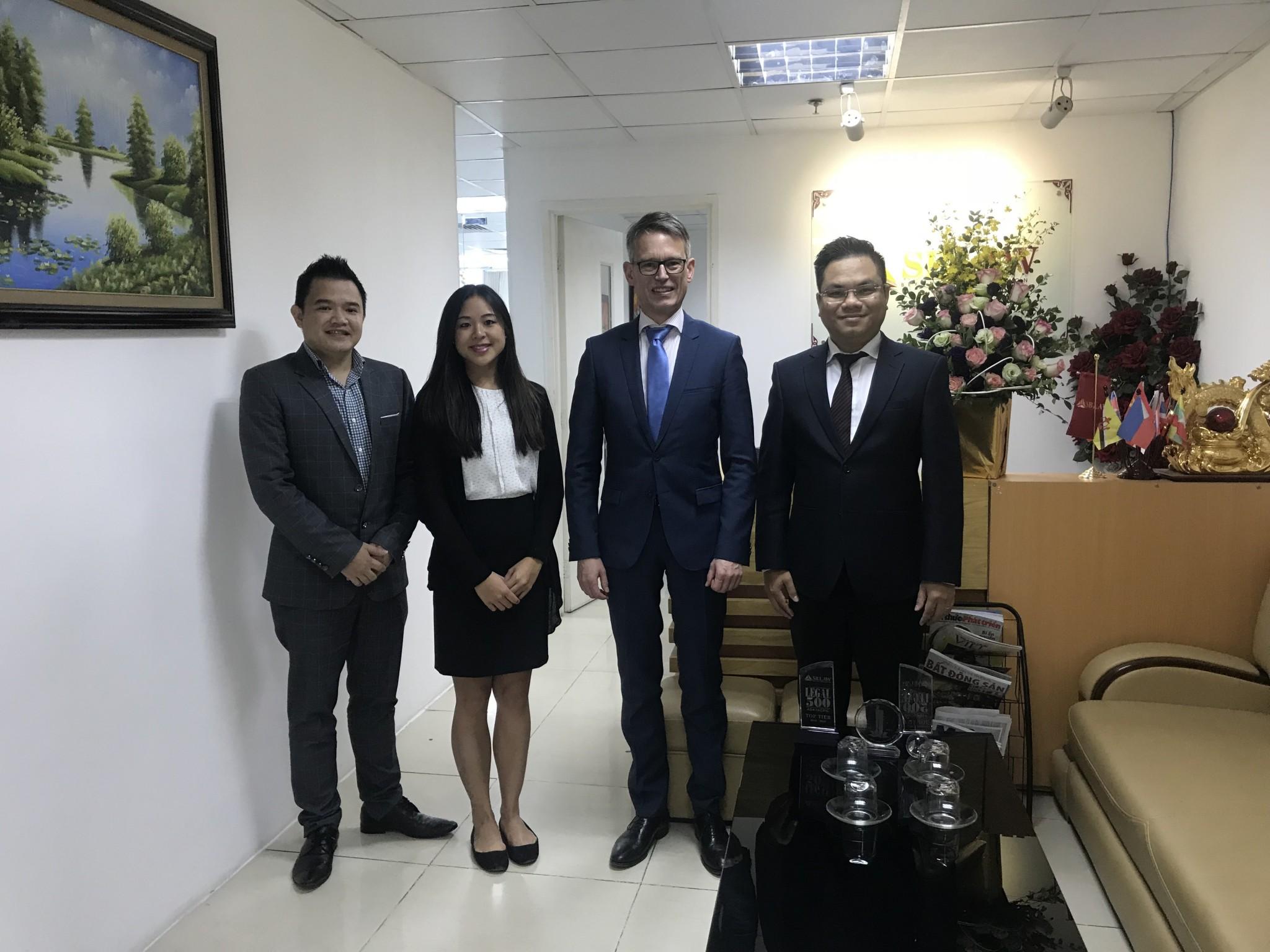 Luật sư và nghề Luật sư tư vấn kinh doanh tại Việt Nam