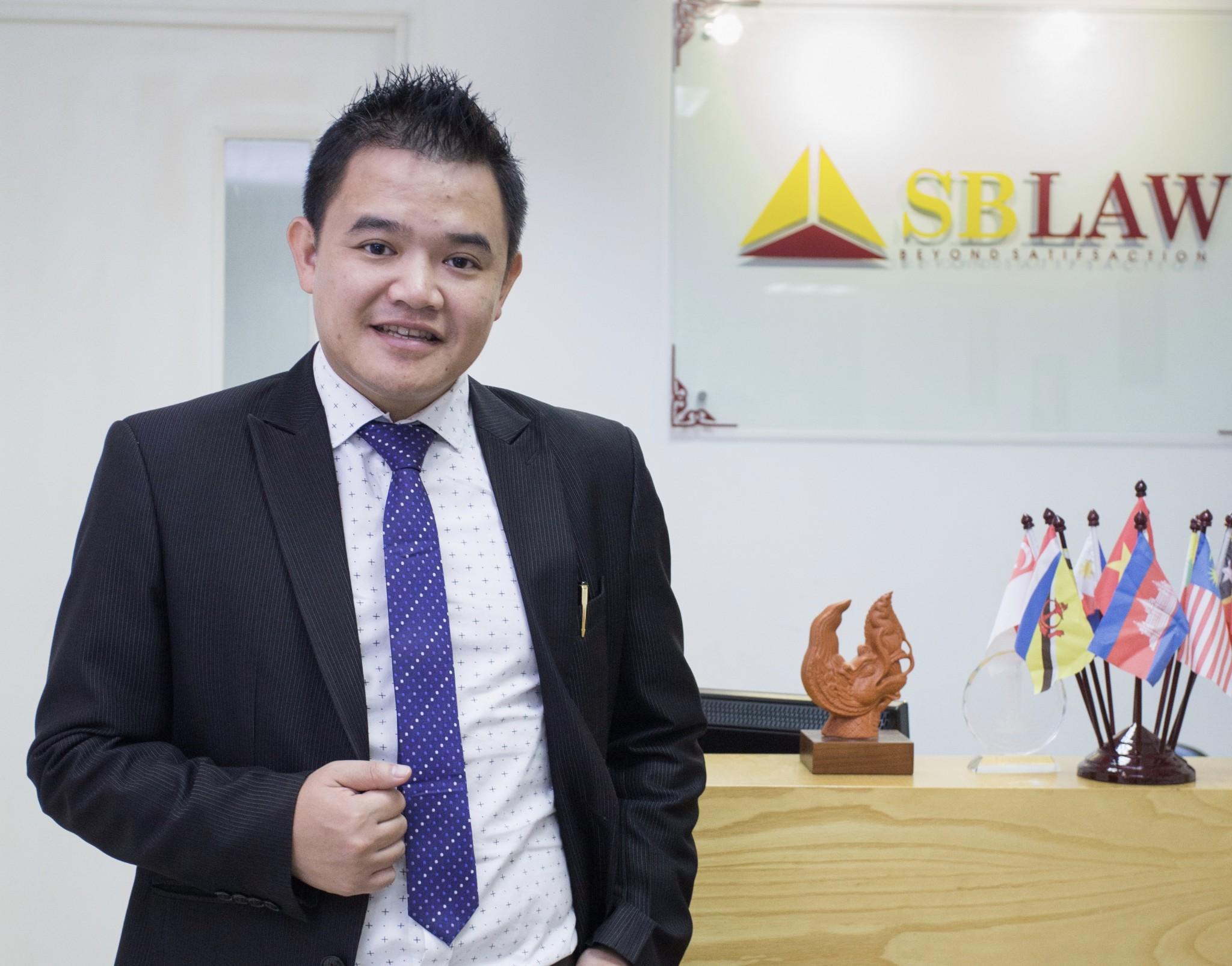 Quan điểm luật sư: Giáo viên tiếng Anh người Việt có cơ sở pháp lý để khởi kiện thầy giáo Dan