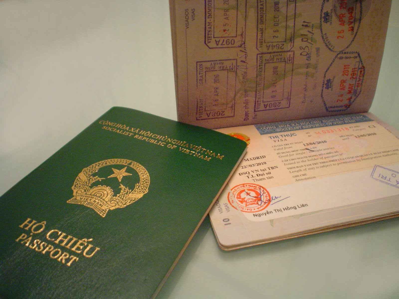 Hồ sơ và thời gian giải quyết xin trở lại quốc tịch Việt Nam