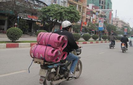 Không được sử dụng lao động chưa thành niên để vận chuyển gas