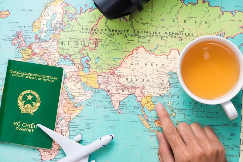 Có phải đi làm lại hộ chiếu xin sửa đổi bổ sung phần nơi sinh không?