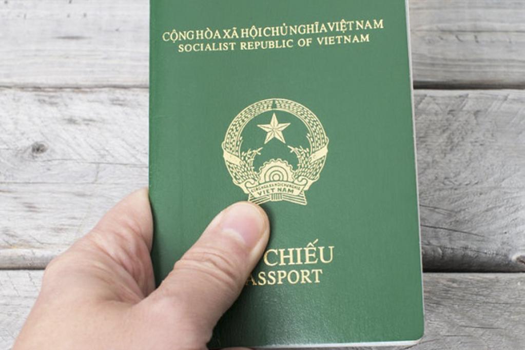 Thủ tục trẻ em cấp chung hộ chiếu với cha mẹ