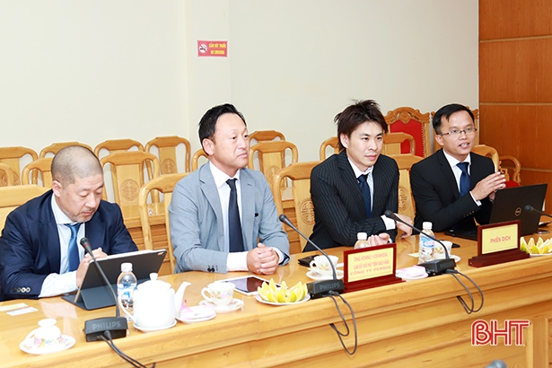 Luật sư Trần Trung Kiên – Giám đốc tư vấn đầu tư SBLAW hỗ trợ Công ty Persol (Nhật Bản) làm việc với UBND tỉnh Hà Tĩnh về phát triển nguồn nhân lực địa phương.