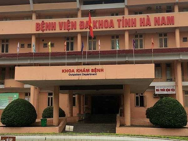 """Vụ 5 nhân viên y tế của BVĐK Hà Nam bị bắt: Thu tiền """"chui"""" của bệnh nhân có thể bị phạt tù tới 20 năm"""