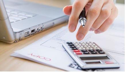 Quy định hiện hành về việc 1 người được phép làm kế toán trưởng cho nhiều công ty