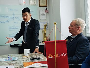 Luật sư nói tiếng Anh chuẩn