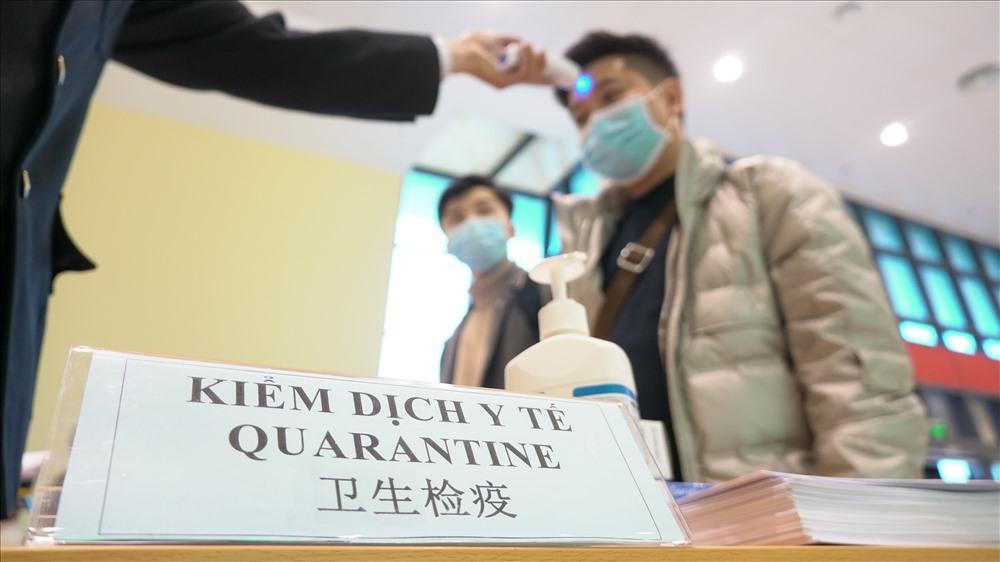 COVID-19 giai đoạn 2: Vì sao Việt Nam chưa công bố tình trạng y tế khẩn cấp?