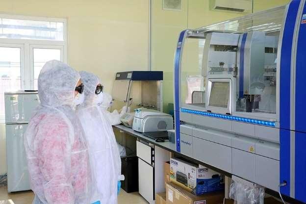 Trách nhiệm của Bộ Y tế trong lùm xùm việc mua máy xét nghiệm Covid-19