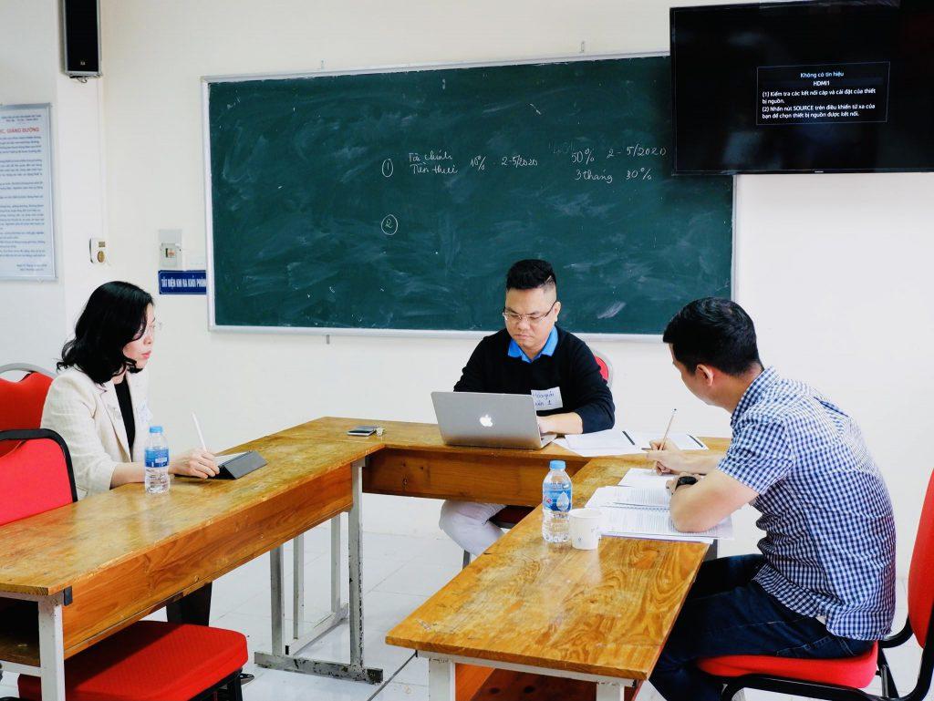 Luật sư Hà tham gia khoá học